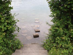 Aquarius Calling - Pflaster, die ins Wasser führen
